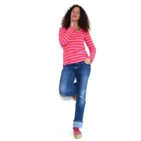 Mode-Kleider-Hosen-Jacken-T-Shirts