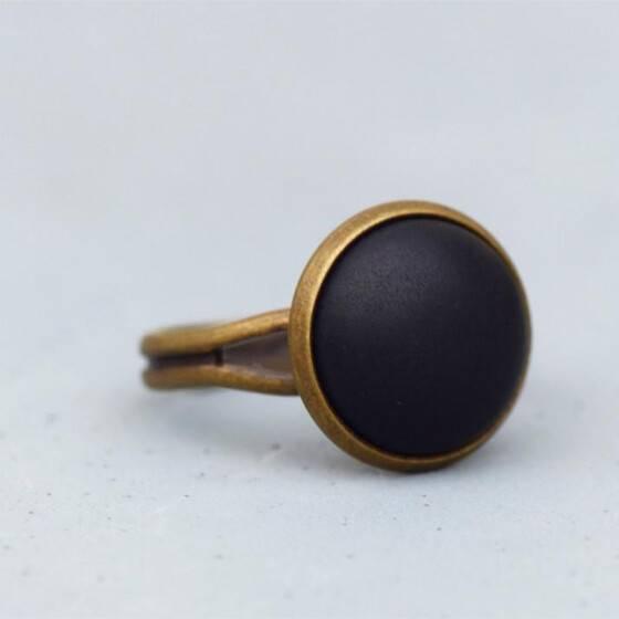 basic-ring-mit-matt-schwarzem-stein-bronze-5