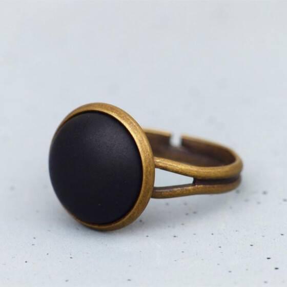 basic-ring-mit-matt-schwarzem-stein-bronze-6