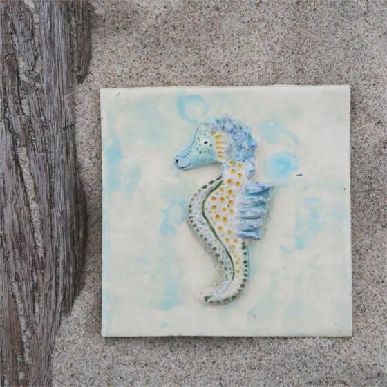 keramik-fliese-seepferdchen-maritime-dekoration