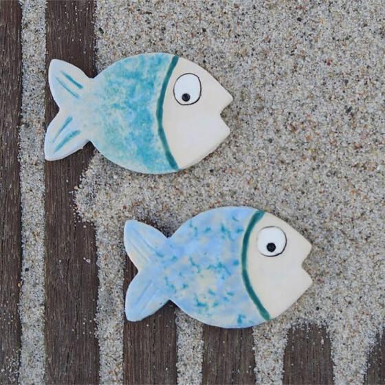 keramik-getoepfert-fische-magnet-blau