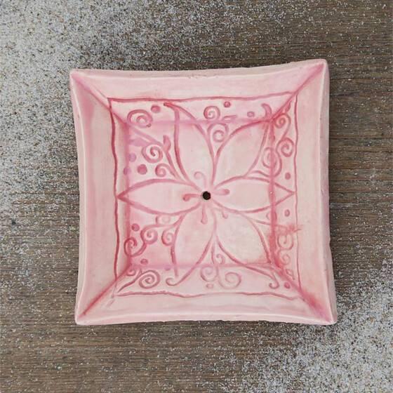 keramik-seifenschale-mandala-handgetoepfert-rosa-2