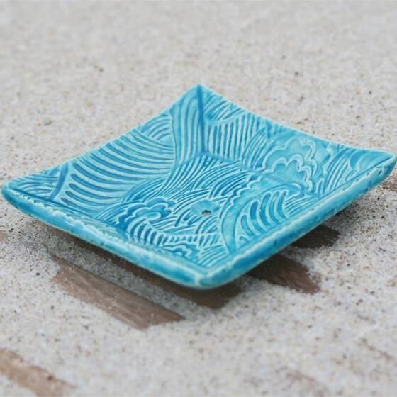 keramik-seifenschale-welle-handgetoepfert-blau-3