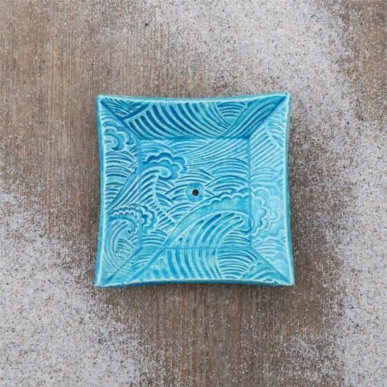 keramik-seifenschale-welle-handgetoepfert-blau-4