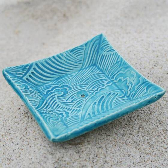 keramik-seifenschale-welle-handgetoepfert-blau-5