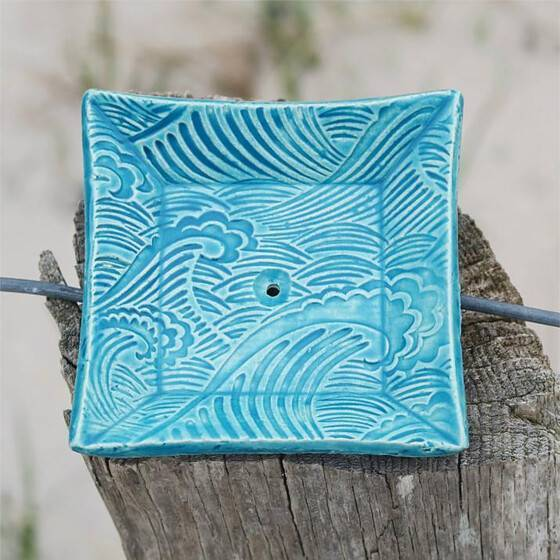 keramik-seifenschale-welle-handgetoepfert-blau-7
