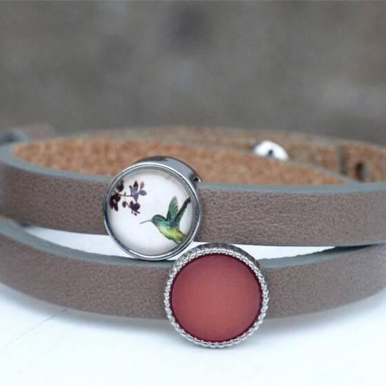 lederarmband-kolibri-mit-zwei-perlen