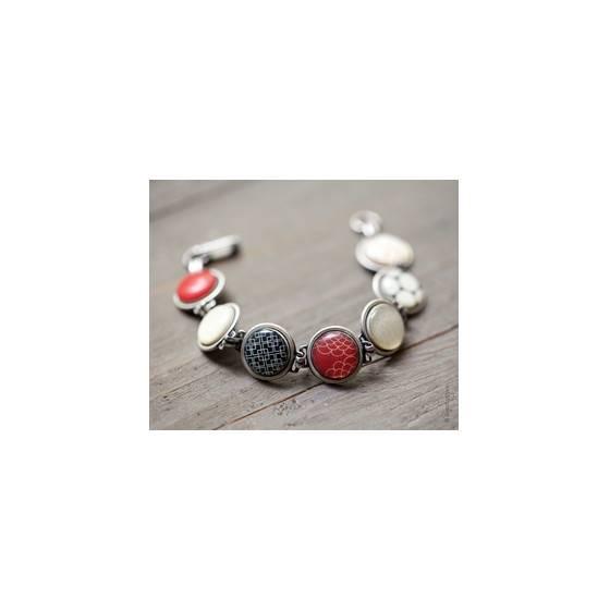 rot-schwarzes-armband-im-60er-jahre-stil
