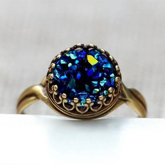 kroenchen-ring-vaux-druzy-tiefblau-exklusiver-modeschmuck