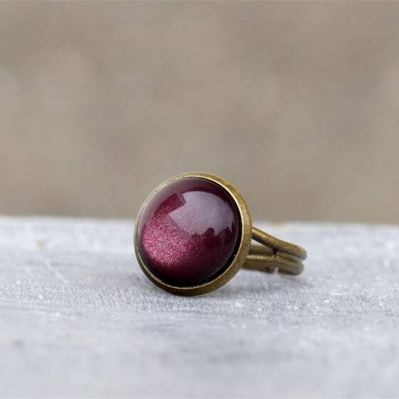 marsala-zart-schimmernd-ring-weinrot