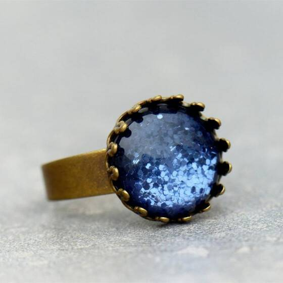 zart-schimmernd-ring-denim-blue-polaris-cabochon-ring-jeans