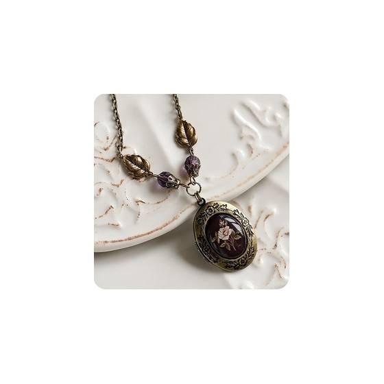 vintage-medaillon-halskette-mit-romantischen-medallion-anhanger