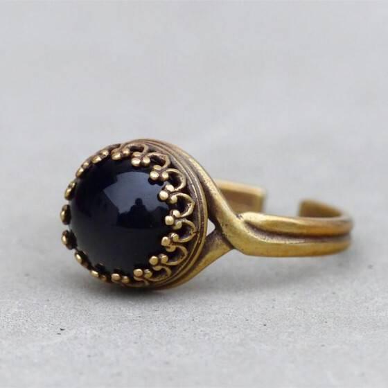 kroenchen-ring-schwarz-schlicht-edel-elegant
