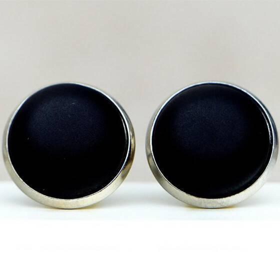 ohrstecker-matt-schwarz-silber