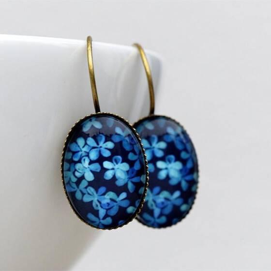 ovale-ohrhaenger-hortensienbluete-blau