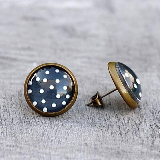 ohrstecker-polka-dots-vintage-dots-dunkelblau-weisse-puenktchen-exklusiver-modeschmuck-2